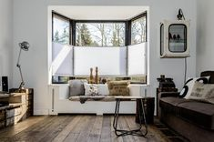 Kitchen bay window seat pictures kitchens with seats trendy ideas for a cozier home spacious modern in white comfy seating Interior Design Living Room, Living Room Designs, Living Room Decor, Living Spaces, Cafe Seating, Bedroom Seating, Bay Window, Home And Living, House Design
