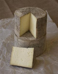 I love this cheese - well worth a try Swaledale Ewe's (The Swaledale Cheese Company)