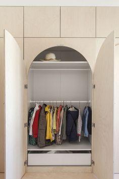 Art Deco Bedroom, Kids Bedroom, Diy Placards, Modern Murphy Beds, E Room, Rainbow Room, Interior Decorating, Interior Design, Wardrobe Design