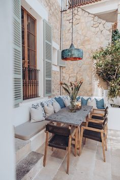 This townhouse in sunny Mallorca is not intended for a beach holiday, as many would think about a property in this famous Spanish resort. The house allows ✌Pufikhomes - source of home inspiration Rustic Furniture, Home Furniture, Outdoor Furniture Sets, Antique Furniture, Furniture Layout, Furniture Ideas, Outdoor Spaces, Outdoor Living, Outdoor Decor
