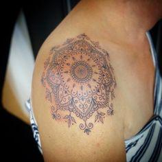 #mandala #mandalatattoo #tattoo #finelinetattoo  #inked #shouldertattoos E Tattoo, Tattoo Studio, Compass Tattoo, Ink, Armadillo, Ink Art