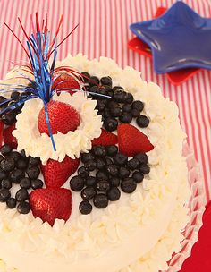 Red White and Blue Patriotic Cake by Creative Culinary ~ So pretty for the 4th of July! Made with fresh berry syrup and cake from scratch. #4thofjuly #patriotic #dessert #recipe
