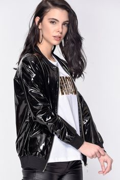 Vinyl Rain — Loves You Vinyl Bomberjacke Vinyl Raincoat, Plastic Raincoat, Plastic Pants, Vinyl Clothing, Future Clothes, Trendy Fashion, Womens Fashion, Rain Wear, Mantel