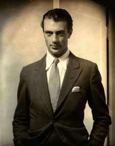 Edward Steichen>>> Actor Gary Cooper, 1930, Courtesy Collection Matthieu Humery, France