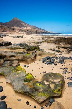 Rocas en la playa de Cofete - Jandía, Fuerteventura Spain