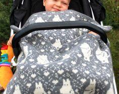 Bilderesultat for moomin knitting pattern Crochet Books, Knit Crochet, Fair Isle Knitting Patterns, Tove Jansson, 4 Kids, Knitted Blankets, Baby Patterns, Baby Car Seats, Pillows