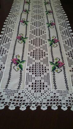 Thread crochet magazines to re Crochet Quilt, Crochet Cross, Thread Crochet, Crochet Trim, Filet Crochet, Crochet Lace, Crochet Table Runner, Crochet Tablecloth, Crochet Doilies