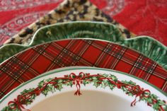 Christmas Tablescapes From The Past | Minhas Idéias de Design. I love the mix of different plates, especiallly the tartan plaid plates.