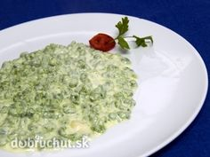 Špenátové halušky Gnocchi Spinach, Guacamole, Risotto, Oatmeal, Grains, Easy Meals, Rice, Healthy Recipes, Cooking