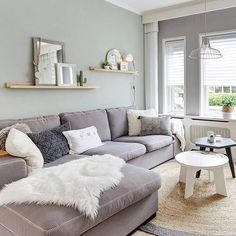 Floating shelves above couch Home And Living, Living Room Decor, Apartment Decor, Wall Decor Living Room, Snug Room, Home, Living Room Color, Living Room Grey, Living Room Designs