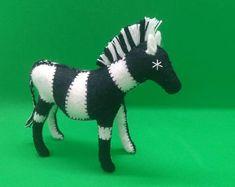 Natural toys wool felt animals role play Waldorf eco by Felthorses Safari Animals, Felt Animals, Felt Giraffe, Felt Gifts, Natural Toys, Colorful Animals, Waldorf Toys, Felt Toys, Felt Art