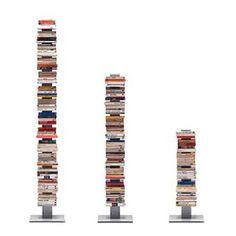 Strak, mooi en minimalistisch. Deze echte design boekenkast heeft stalen, zwevende planken waardoor hij opgaat in het interieur. Deze  Sintesi Sapiens is makkelijk te verplaatsen en naar eigen wens in te delen! Kies je voor grote of kleine vakken?