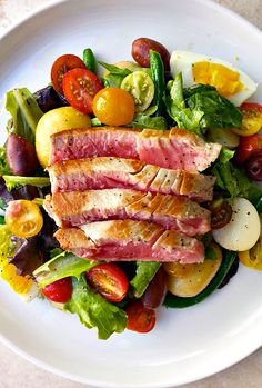 Seared Ahi Tuna Nicoise Salad with White Wine Vinaigrette | #glutenfree #grainfree #dairyfree #paleo