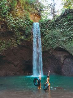 Tibumana Waterfall in Ubud, Bali Indonesia Travel Honeymoon Backpack Backpacking Vacation Oh The Places You'll Go, Places To Travel, Travel Destinations, Places To Visit, Ubud, Vietnam, Bali Honeymoon, Honeymoon Budget, Bali Holidays
