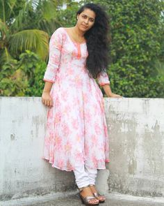 Indian Face, Beauty Full Girl, Girls Gallery, Indian Beauty Saree, Power Girl, Desi, Beautiful Women, My Style, Womens Fashion