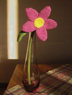 Crochet flower. Stor virkad blomma. (Gratis mönster på svenska.)