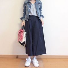 Lovely College Outfit Ideas To Update Your Dressing college outfit ideas, Barang favorite # # # # # # # # Modern Hijab Fashion, Street Hijab Fashion, Muslim Fashion, Modest Fashion, Korean Fashion, Modest Outfits, Skirt Outfits, Chic Outfits, Fashion Outfits