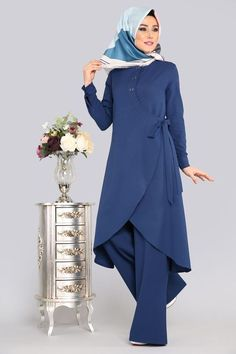 Tunnel Coupling Binary Combi Indigo - New Dress Abaya Fashion, Modest Fashion, Fashion Dresses, Stylish Dresses, Modest Dresses, Hijab Evening Dress, Muslim Women Fashion, Outfit Look, Indigo
