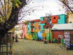 O Caminito em Buenos Aires é uma rua-museu. Um dos lugares mais turísticos e bonitos do bairro de La Boca. . . Você conhece ou tem vontade de conhecer? Deixe a resposta nos comentários. :) . . #CatracaLivre #ViNoCatraca #AmericaDoSul : @rodrigomantovanip