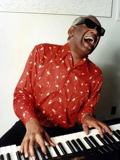 Photo: Ray Charles at Home in Los Angeles in February 1990 : 16x12in