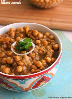 Hot pot cooking: Chana masala   Chickpeas masala