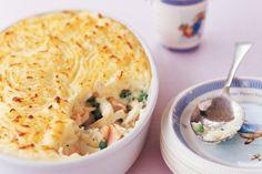Fish pie 800gm fish Extra flour Garlic Thyme Leek/onion S&p Mustard Lemon zest Broccoli spinaxh Extra sauce