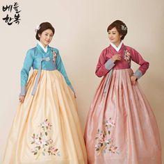 #flower , #hanbok , #mom , #mother , #color #blue #summer #red #custom #traditional #엄마 #한복 #꽃 #전통 #문화 #의상 #옷 #혼주