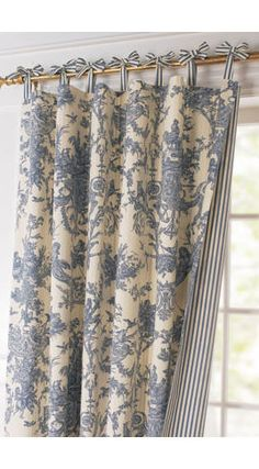 love the top of these curtains