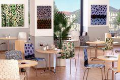 "Kunstvoll bedruckte Designstühle.  Motiv: Karl Anton ""punctum"" #Gastronomie #Café #Einrichtungsideen Anton, Designer, Table Decorations, Furniture, Home Decor, Fine Dining, Photo Mural, Living Room, Decoration Home"