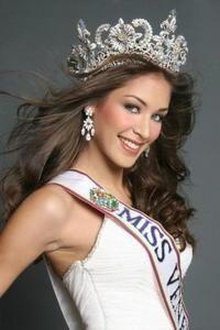 Dayana Mendoza - Miss Universe 2008 (Venezuela)