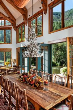 Beautiful Table..great windows....love the french doors