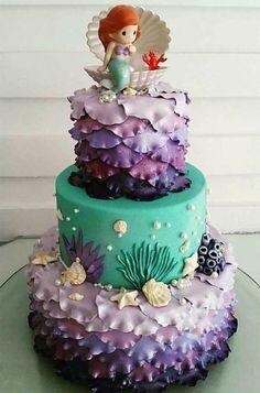 This Mermaid birthday cake is so cute! I'd like this cake for my birthday too Little Mermaid Cakes, Mermaid Birthday Cakes, Little Mermaid Parties, Mermaid Cake Pops, Mermaid Baby Showers, Sea Cakes, Birthday Parties, Birthday Ideas, 5th Birthday