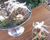 favors: twine wrapped seashell ornaments