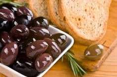 The Fit Pastry Chef: Mediterranean Red Wine Vinaigrette Pasta Salad