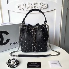 #chanel  Bange studio producedTop quality Add my WeChat to more products #WeChat:ChenB0723 #WhatsApp:8613692922260 . . . #travel #handbag #bag #love #fashion #mystyle #mylook #lookoftheday #uk #outfit #todaysoutfit #clothing #milano #metoday #fashiongram #ootd #girl #nyc #style #luxury #elle #paris #britain #dubai #canada #me  #newyork
