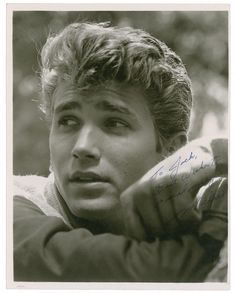 Michael Landon,*sigh* i know he's dead, but that is a handsom lad right there:)