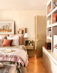 〚 Small wooden home in Spain 〛 ◾ Photos ◾Ideas◾ Design Bedroom Color Schemes, Bedroom Colors, Home Bedroom, Bedroom Decor, Lets Stay Home, Cozy Living, Contemporary Bedroom, Luxurious Bedrooms, Home Hacks
