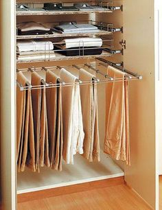Tips for organizing your wardrobe Wood Cladding Exterior, Bedroom Cupboards, Long Shelf, Door Hangers, Clothes Hanger, House Plans, Organization, Organizing, Sweet Home