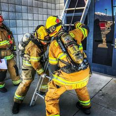 FEATURED POST   @rialtofirefighters3688 -  Your Rialto Firefighters doing some ladder drills on the 35' extension ladder. Practice makes perfect! Train hard! .  ___Want to be featured? _____ Use #chiefmiller in your post ... http://ift.tt/2aftxS9 . CHECK OUT! Facebook- chiefmiller1 Periscope -chief_miller Tumblr- chief-miller Twitter - chief_miller YouTube- chief miller .  #firetruck #firedepartment #fireman #firefighters #ems #kcco  #brotherhood #firefighting #paramedic #firehouse #rescue…
