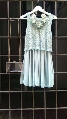 Vestido aguamarina + maxi collar + clutch TheCode