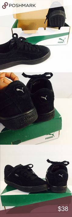 🖤 Boy's Black Suede Puma's 🖤 Worn several times  Still in a good Condition :)   Kid size: 3  Material: Suede    Authentic  Unisex   Original box IS NOT Included** Puma Shoes Sneakers