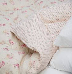 Peony and Sage - French Florals Fabric Collection - A double sided duvet made with florals on one side and small polka dots on the other, with white sheets and pillows Linen Bedding, Linen Fabric, Bed Linen, Bedding Sets, Cot Blankets, Summer Stripes, Linens And Lace, Rose Cottage, Roman Blinds