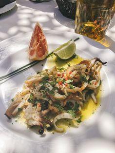 Spilia, Mykonos - The Londoner Hotel Food, Food Snapchat, Fusion Food, Aesthetic Food, Food Cravings, Food Design, Food Inspiration, Instagram Emoji, Food Porn