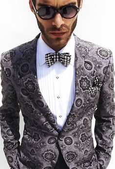 guyliness  Tom Ford #SuitUp   re-pinned by  http://www.wfpblogs.com/category/a-perfect-gentleman/