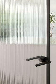 Glass Office Doors, Exterior Doors With Glass, Glass Shower Doors, Glass Doors, Office Interior Design, Interior Exterior, Partition Door, Reeded Glass, Laminated Glass