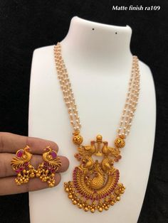 Buy Gold Jewelry Near Me Refferal: 1380926113 24k Gold Jewelry, Coral Jewelry, Beaded Jewelry, Antique Jewellery Designs, Gold Jewellery Design, Jewellery Diy, Jewelry Making, India Jewelry, Pearl Necklace Designs