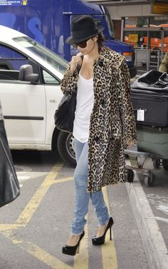 Nicole Richie Is Airport Chic At Heathrow