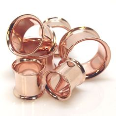Rose Gold Ear Tunnels. Own 'em. Look so cuuuute. WANT WANT!! 4mm please!