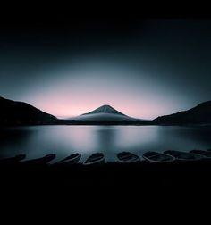 Fuji at dawn #Japan Pic via @malemalefica