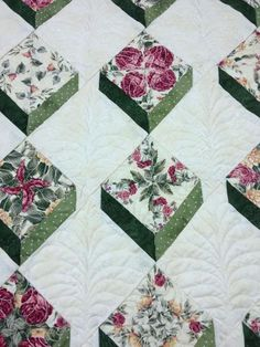 Design It, Quilt It: Free-Form Machine Quilting Techniques. On Craftsy: